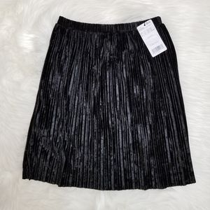 NEW MANGO Black Velvet Pleated Skirt Small